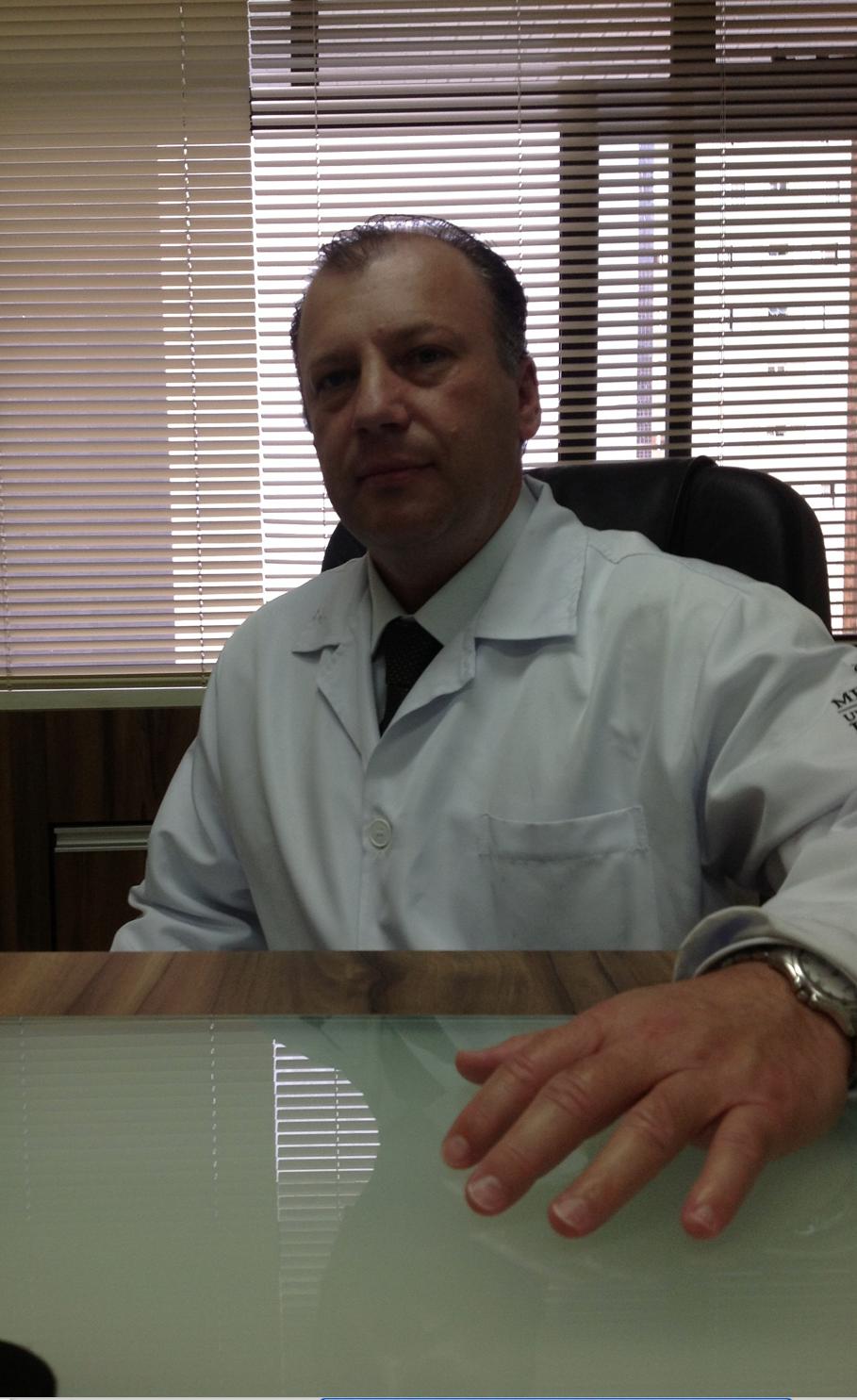 Dr(a) Alberto Ceser Franciskieviz De Lima