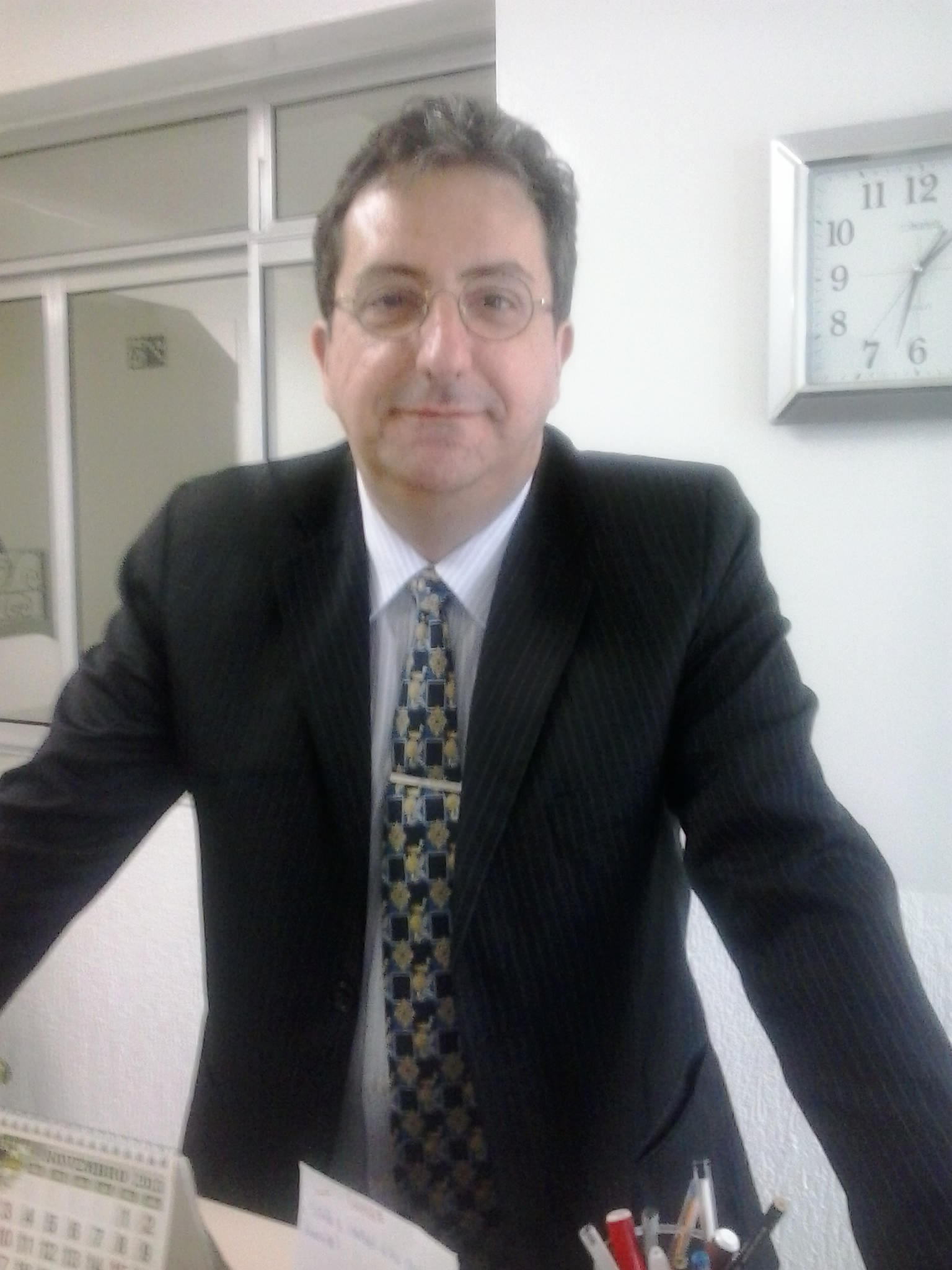 Dr(a) Dínerson Fiuza