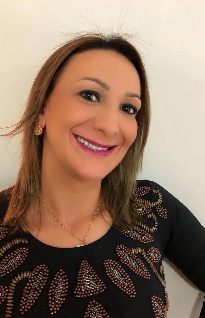 Dr(a) Andréa Regina Seoane